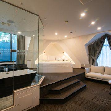 paramount suite-1